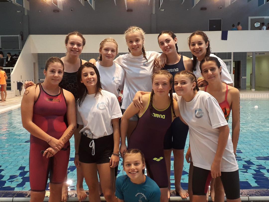 nageuses participant à la compétition de l'année dernière